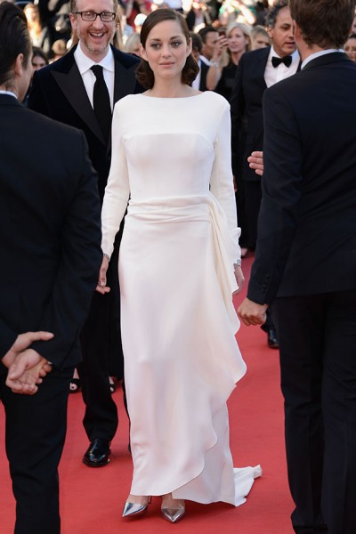 24513-cannes-the-immigrant-marion-400x600