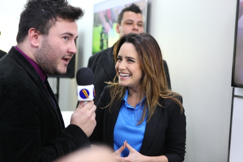 14. O apresentador Rafa Storch do programa Night Show entrevistandoFernanda Vasconcellos _ Alex Miranda _ IMAGECARE