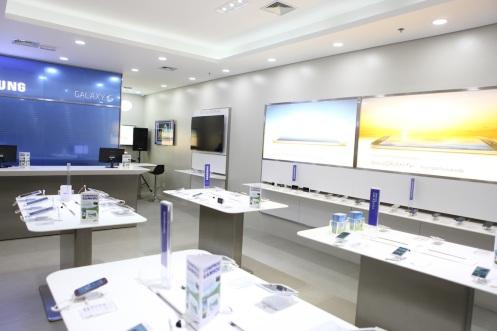 2. Interior da SAMSUNG Store 2 _ Alex Miranda _ IMAGECARE.JPG