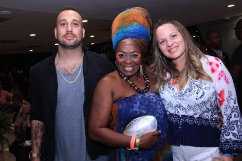 Rafael Stavale, Negra Jhô e Camila Crichigno_ Foto by Fabio Peixoto