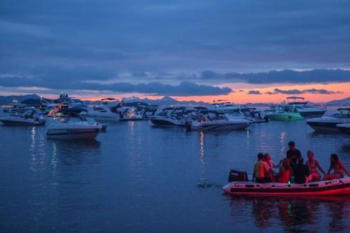 Chegada à Prainha Xanahi de barco (2)
