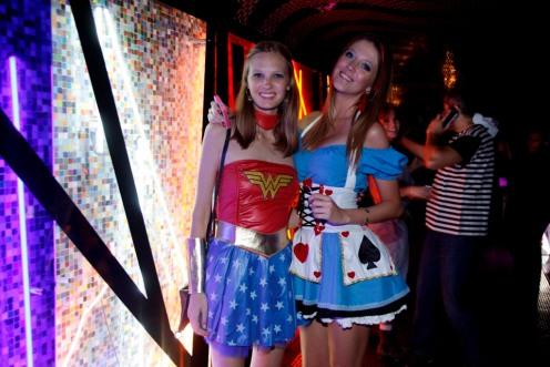 Vanessa Michels e Candice Ames 3537