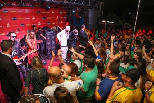 SL5C1368 show Melanina Carioca